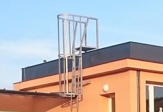 Ladder mit einer Wache, Verzinken