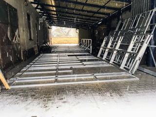 """Aluminiumkonstruktion für Hintergründe für """"Lakomec"""""""