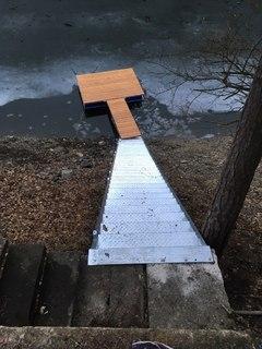 Galvanisierte Treppen- und Pierkonstruktion