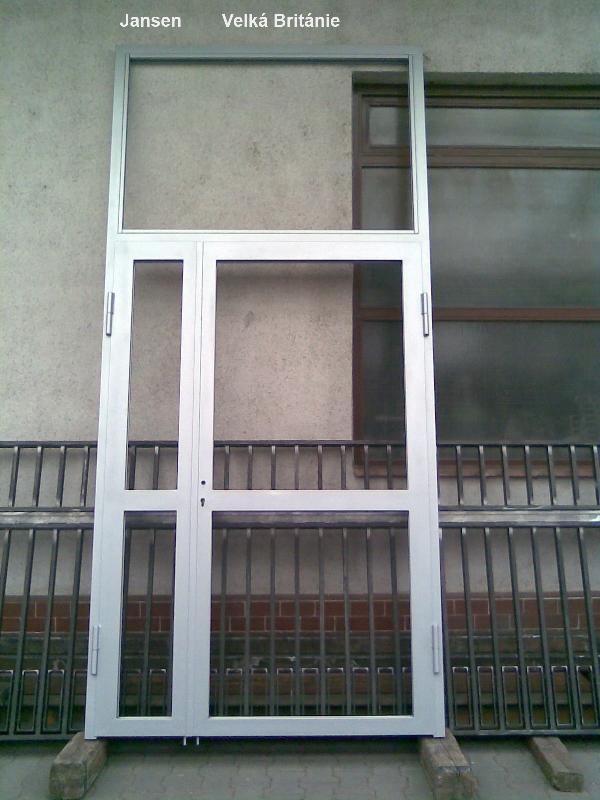 Dveře z profilu Jansen a komaxit