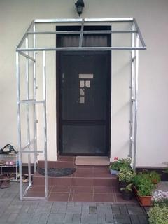 Hliníková konstrukce přístřešku