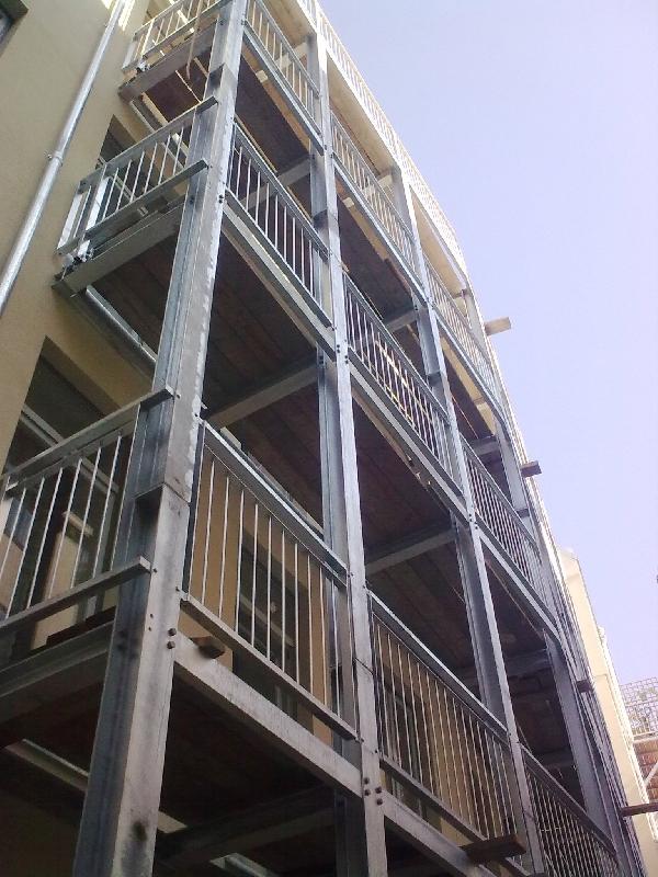 Konstrukce balkonů a zábradlí Rakousko Y4