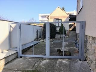 Konstrukce brány pro dřevo, zinek