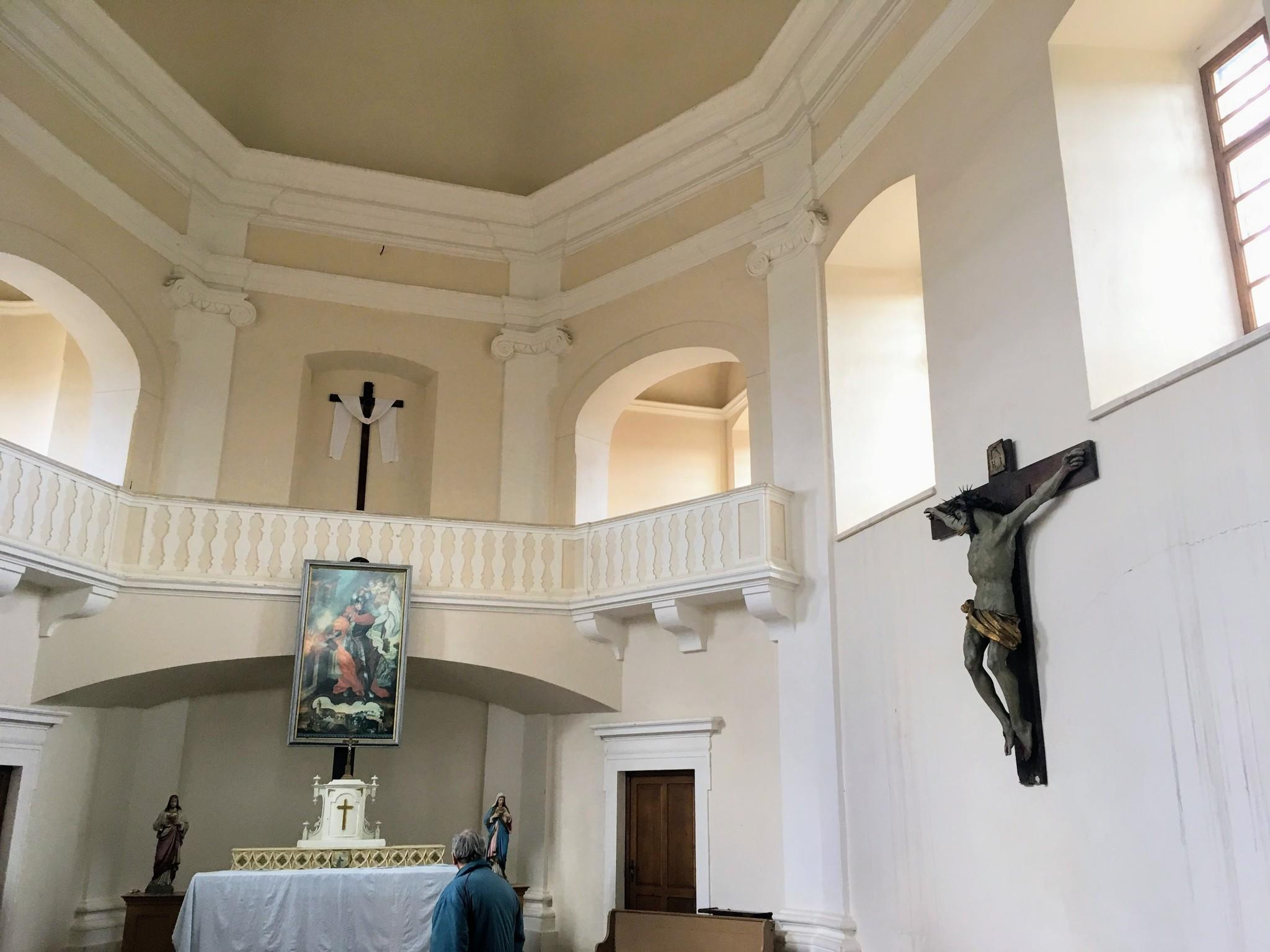 Zavěšení původního kříže na Floriánku