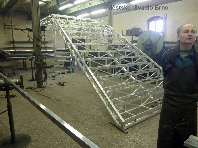 Treppenhaus für Stadttheater Brno aus Aluminium