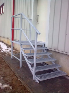 Treppenhaus verzinkt und gitterrosten