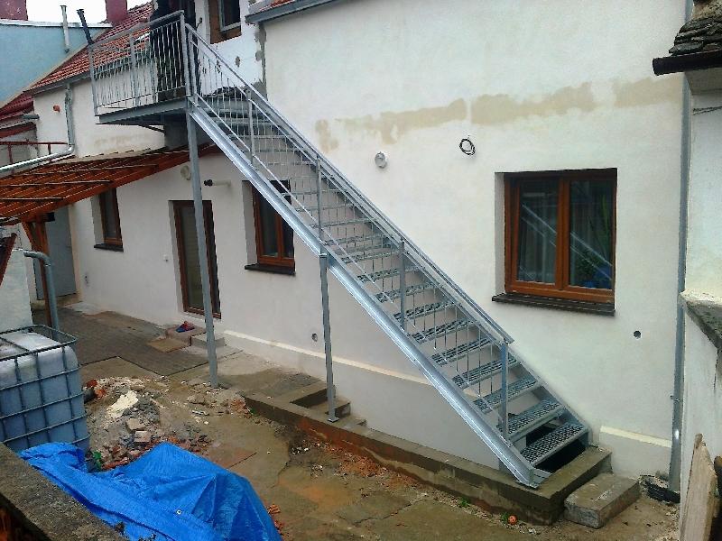 Treppen, Geländer und Landung, verzinkt