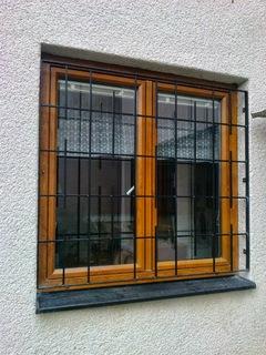 Das Gitter auf der Fenster