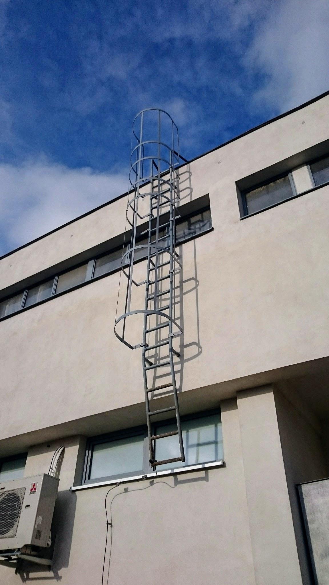 Schutzgitter auf der Leiter