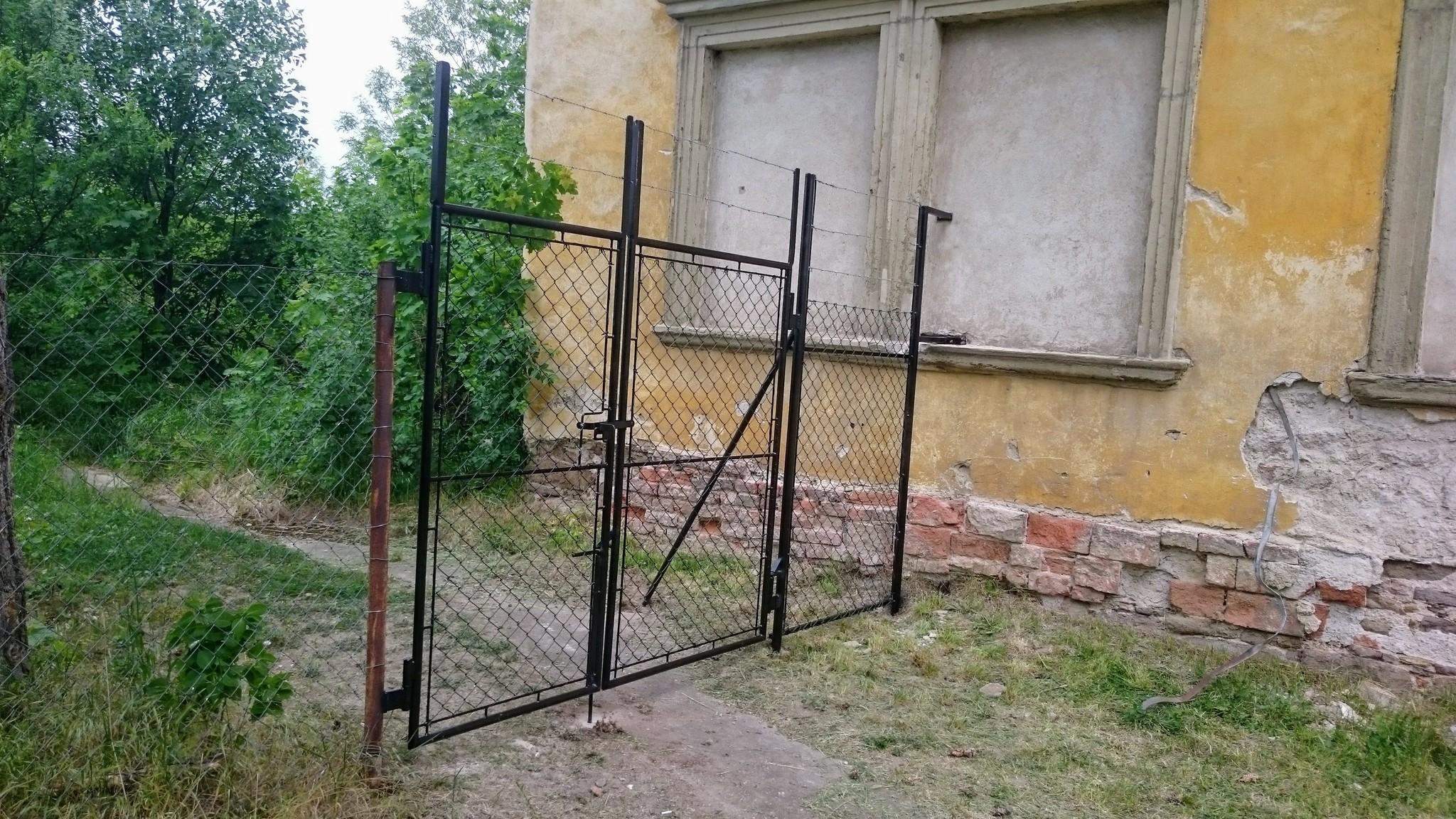 Gate mit Mesh-
