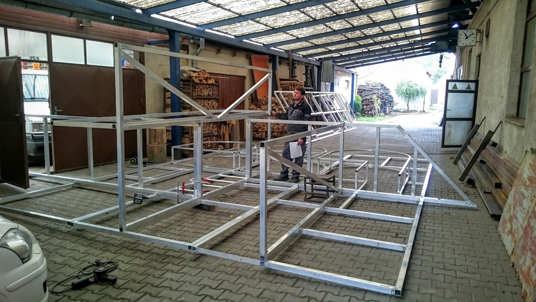 Aluminium-Konstruktion für die Kulisse für MDB