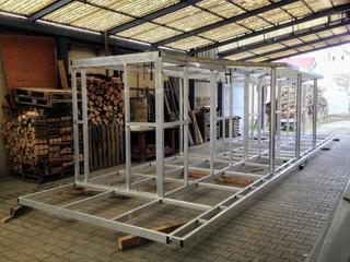 Aluminium-Design, Kulisse für