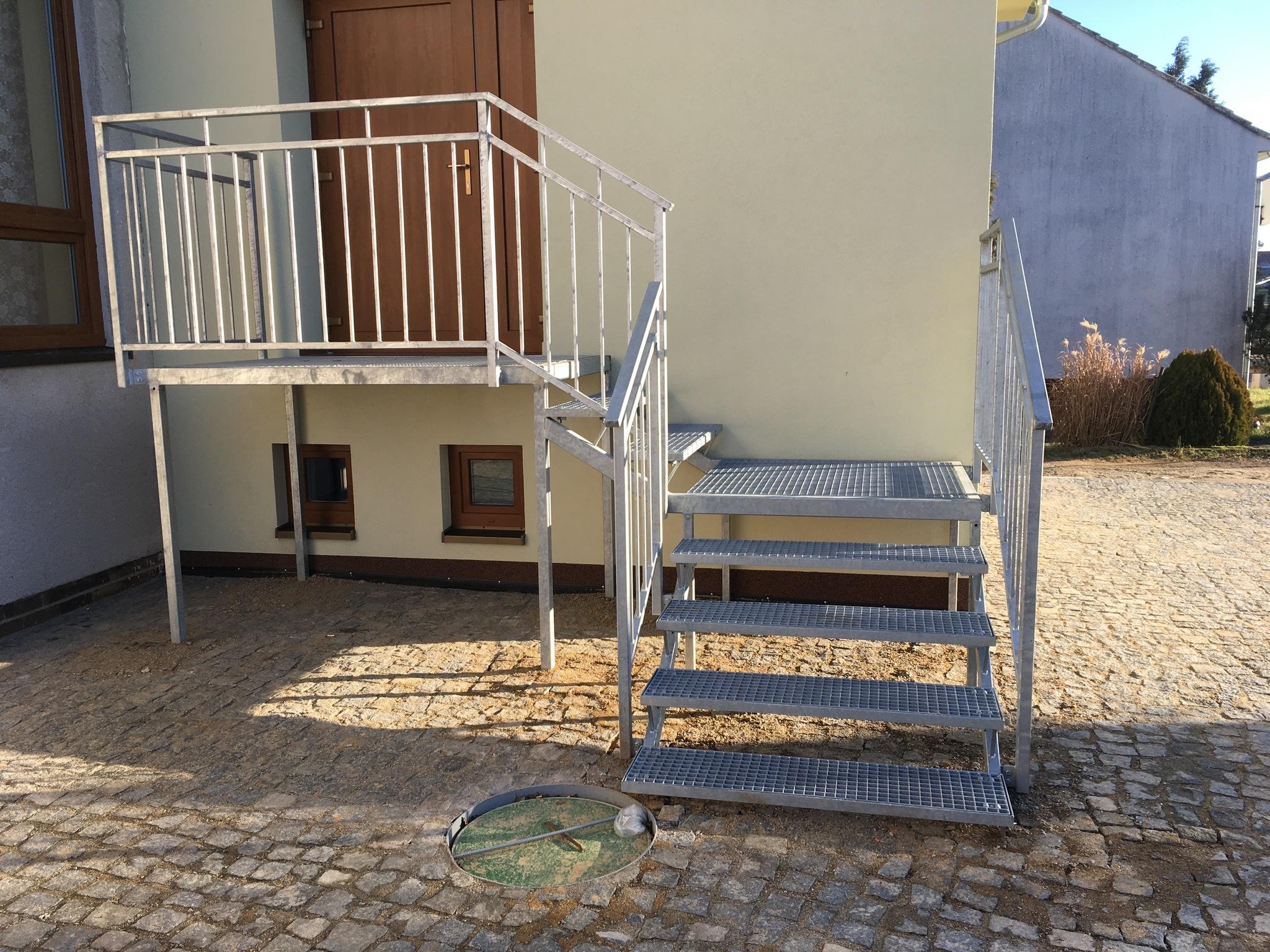 Treppen mit Gittern, Geländern, Verzinkt