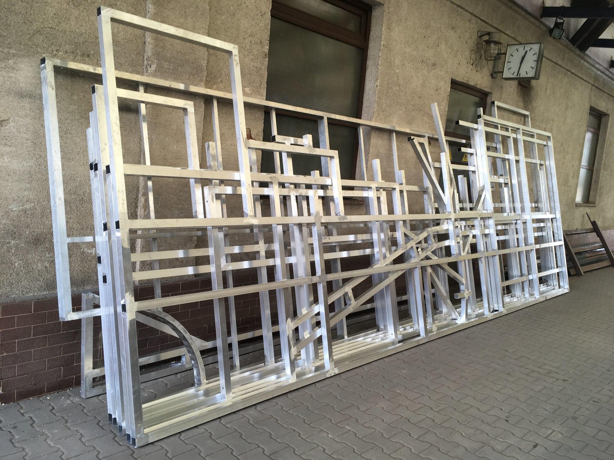 Aluminiumkonstruktion für Hintergründe für Spamalot