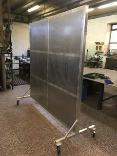 Lärmgeschützte mobile Aluminiumwand