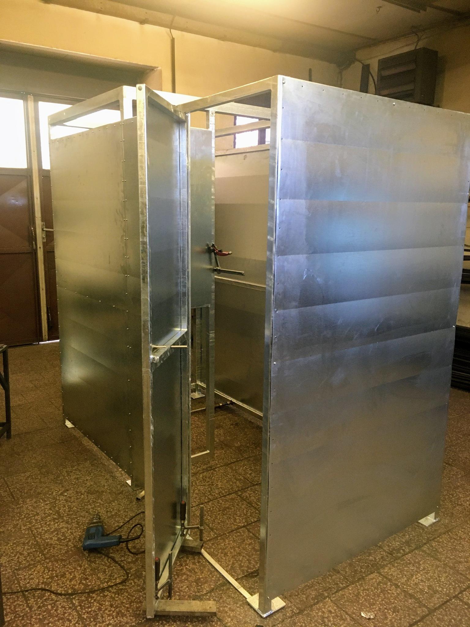 Konstruktion für Dusche, Zink