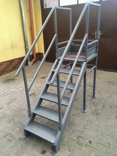 Treppe mit Treppenabsatz, Farbe