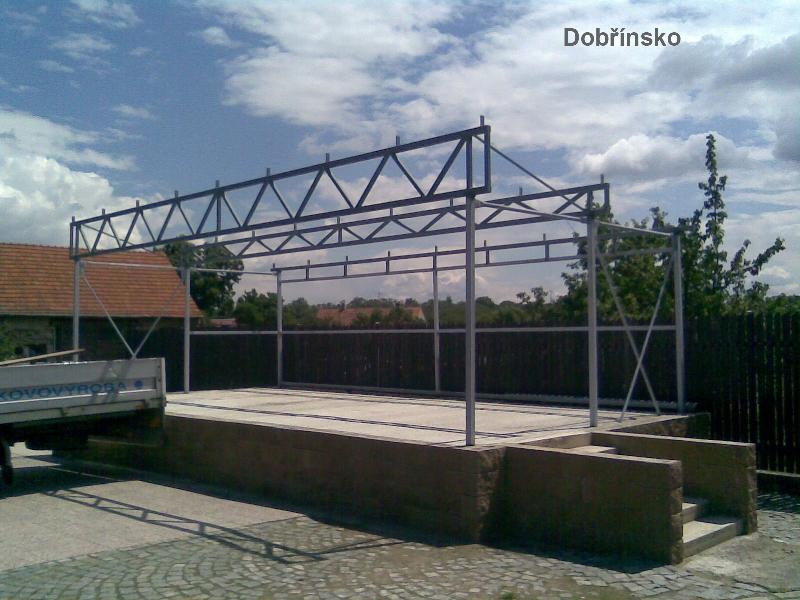 Konstrukce přístřešku Dobřínsko