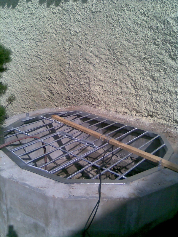 Mříž studny pozinkovaná