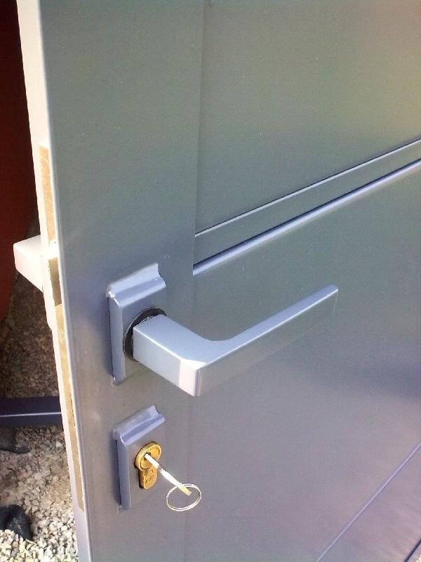 Dveře komaxit zinkový základ a RAL