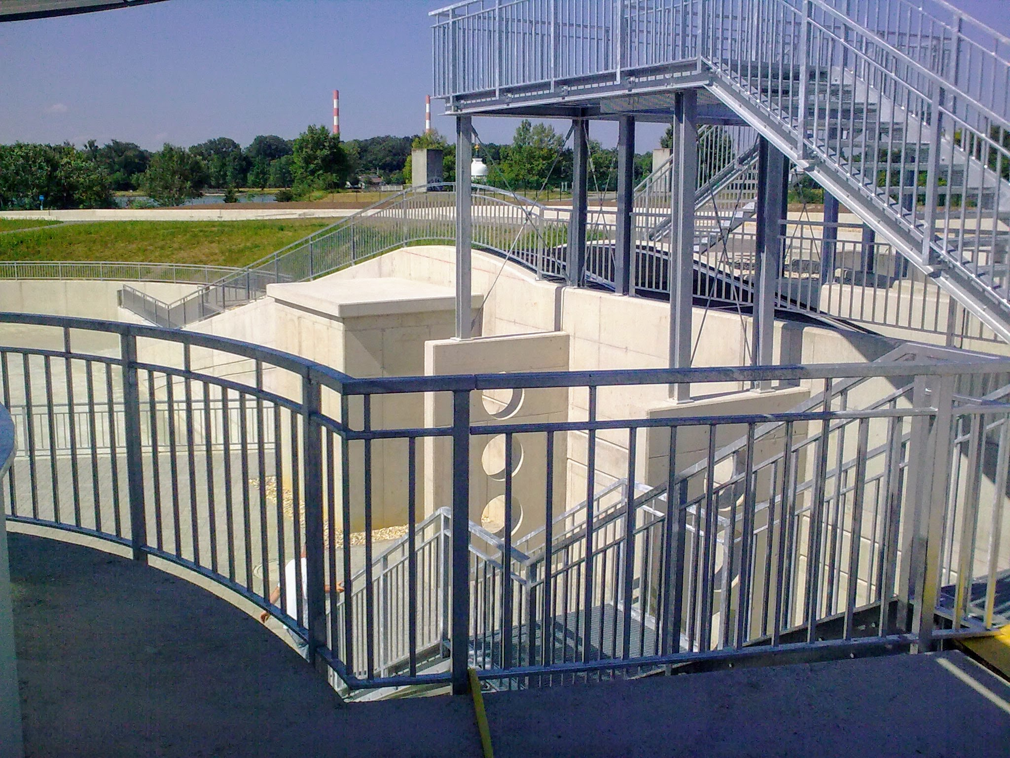 Pozinkované mříže, zábradlí, schody