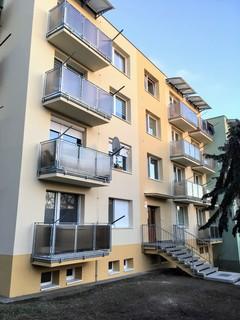Zábradlí balkonové pozinkované s polykarbonátem
