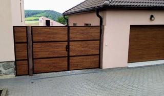Brána pro plastové desky, praporkový jekl, zinek a barva