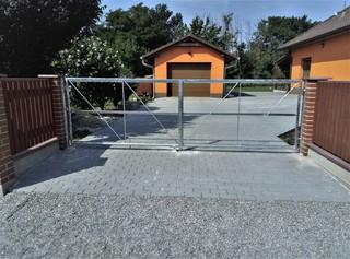 Brána pro el. pohon a dřevěnou výplň, žárový zinek