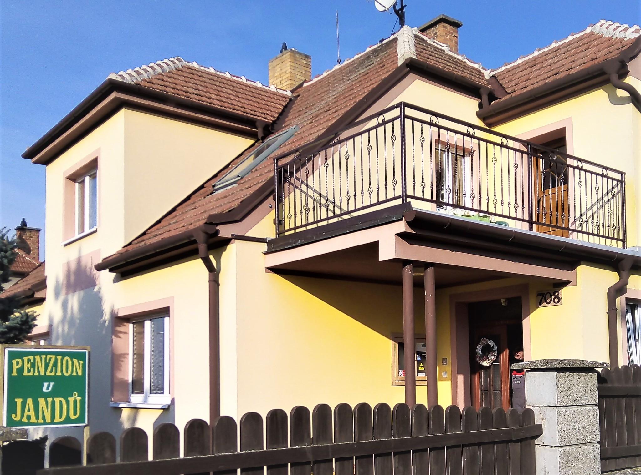 Zábradlí kované balkonové, zinek, hnědá barva a patina