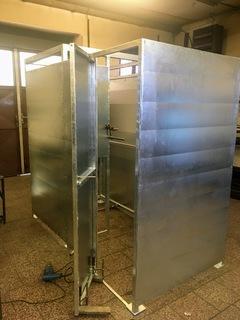 Konstrukce pro sprchu, zinek
