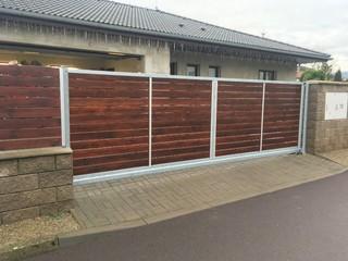 Brána samonosná pozinkovaná pro dřevěnou výplň